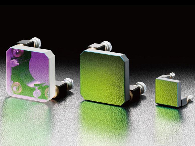 rahmenloser spiegelhalter und einsatz von keramiksubstrat optecnet. Black Bedroom Furniture Sets. Home Design Ideas